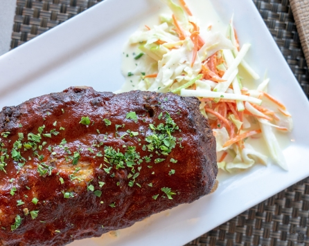 Baby back ribs with apple fennel claw